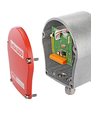 The level detection switch with semi rotating paddle